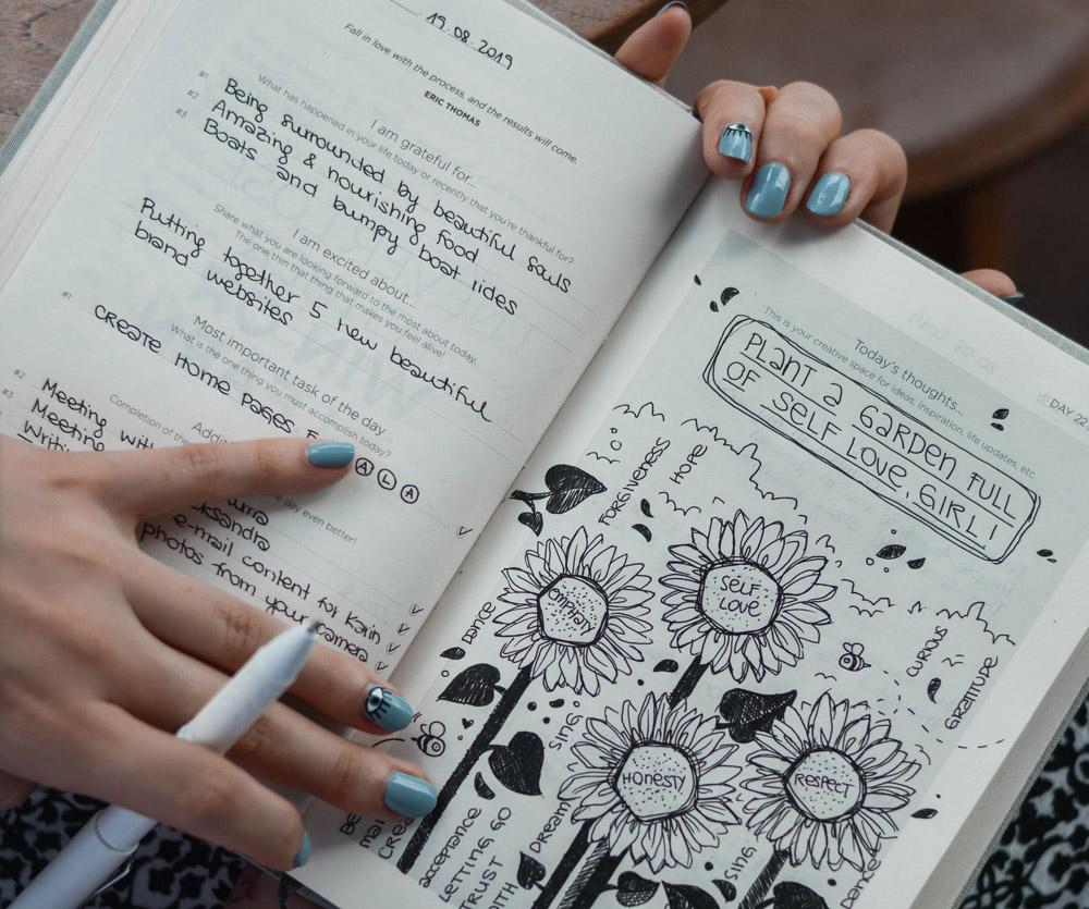 my life journal xPniC9gBr0E unsplash 1